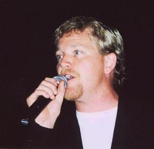 RDM singing at GB 2001