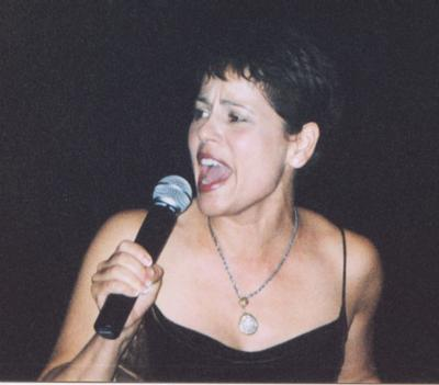 Roxann singing at GB 2001